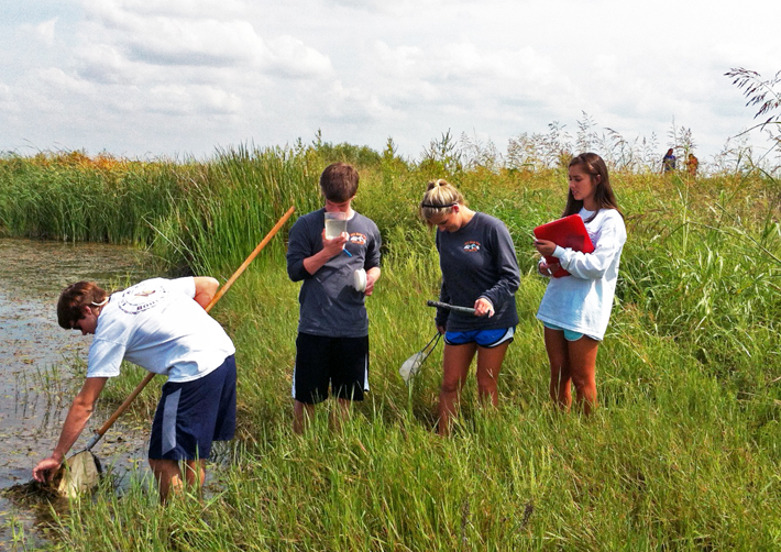 Students in the Wetland